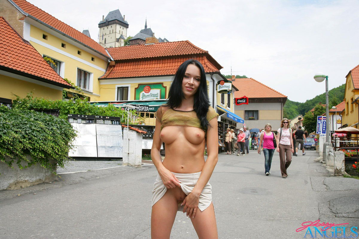 italian women handjob clips
