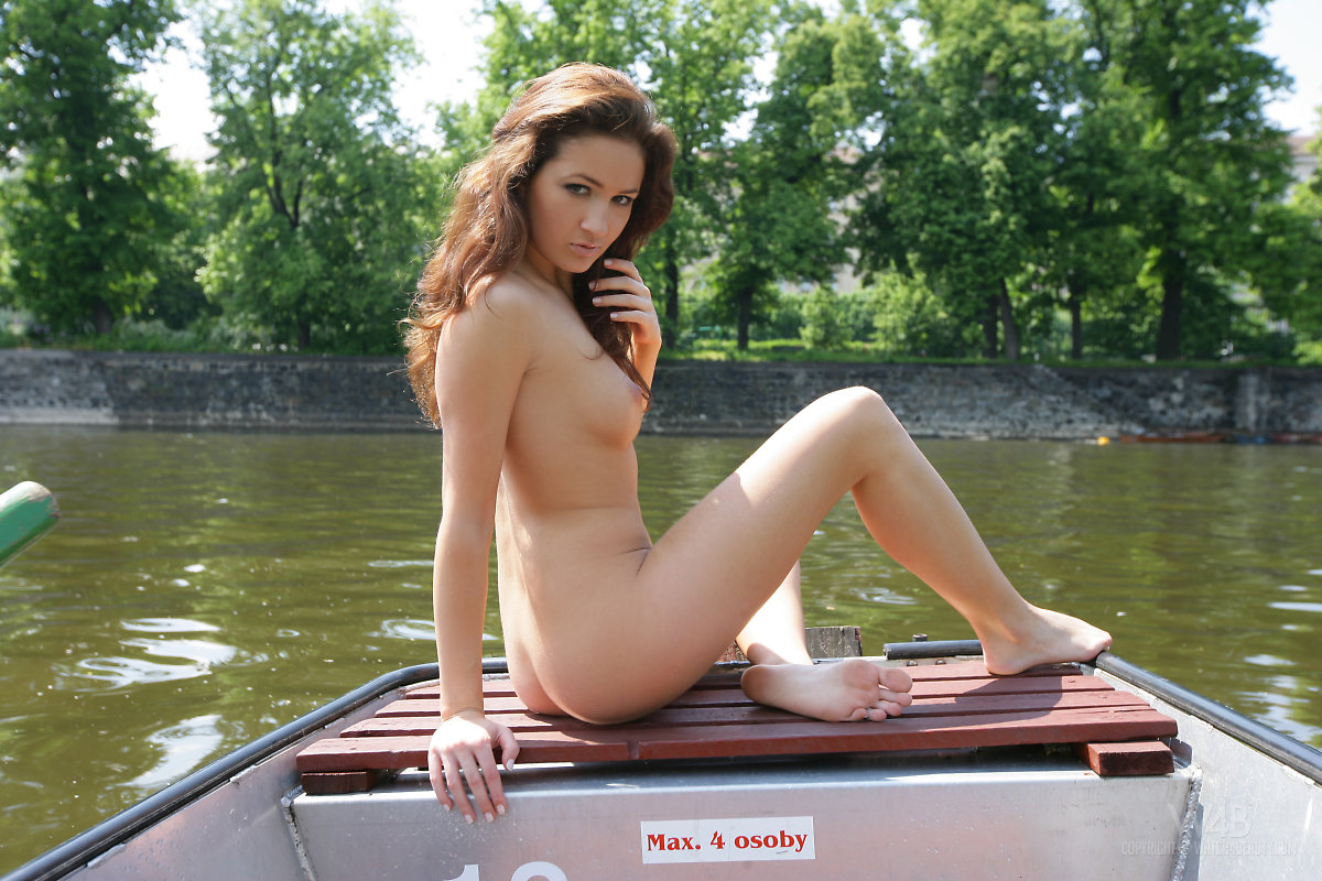 Consider, that Teen girls naked on a boat