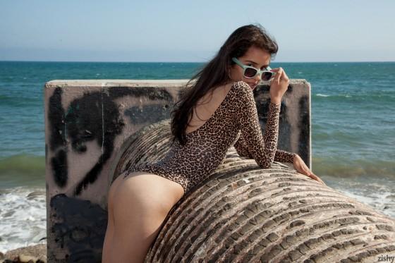 Inez Saldero On Pee Sea Atche - 2