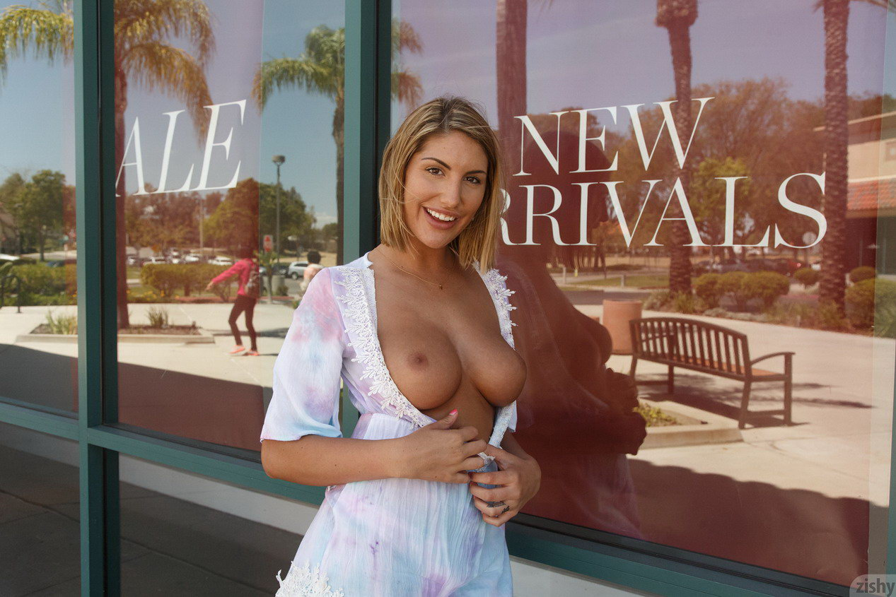Zishy August Ames Public Flashing At Shopping Mall  Nude -2764